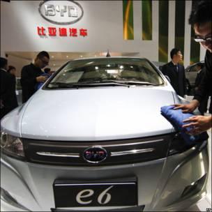 Coche eléctrico BYD E6