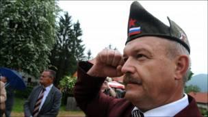 Veterano conmemora aniversario de Tito.