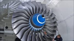Turbina en una fábrica de Rolls Royce en Dahlewitz, Alemania