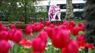 Выставка слонов в Лондоне. Фотография rock_yoursocks