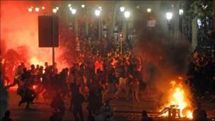 Enfrentamientos entre aficionados del F.C. Barcelona y la policía