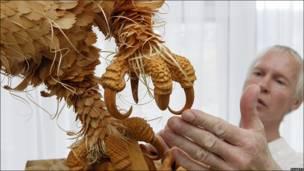 Escultura de pájaro en Rusia