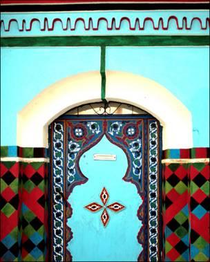Puerta azul marroquí