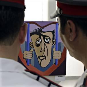 Exposicón de arte en una cárcel siria