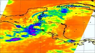Vista satelital de la tormenta Agatha en Centroamérica