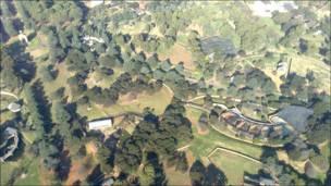 Campos de golf y jardines amurallados