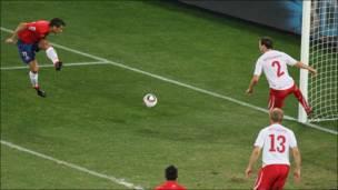 Gómez celebra el gol