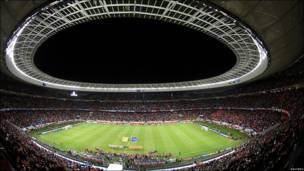 Imagen del estadio Green Point en Ciudad del Cabo antes del comienzo del partido entre Uruguay y Holanda.