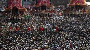 Procesión religiosa en la India