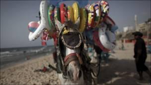 Vendedor de flotadores en Palestina