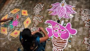 Competencia de motivos tradicionales en India