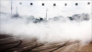 Машины в дыму