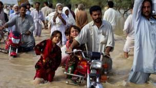 وخلفت الكارثة نحو 15 مليون منكوب في باكستان