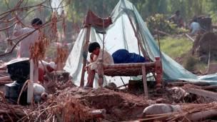 ووجه رئيس الوزراء الباكستاني يوسف رضا جيلاني الجمعة نداء الى المجتمع الدولي طالبا مساعدة فورية لبلاده التي تعاني من اسوأ فيضانات في تاريخها