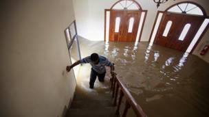 منزل غمرت بهوه المياه في مظفرغار باقليم البنجاب