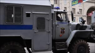 Бронированная милицейская машина на Тверской улице