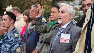 Зрители митинга на Пушкинской площади