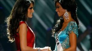 Мисс Мексика и Мисс Ямайка