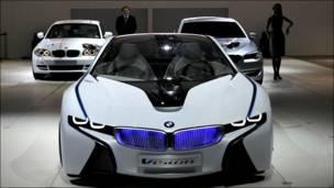 Автомобиль BMW Vision на московском автосалоне