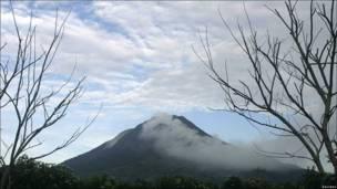 فوران آتشفشان سینابونگ اندونزی