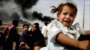 لاجئون عراقيون يفرون من البصرة