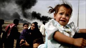 Iraquianos fogem de Basra