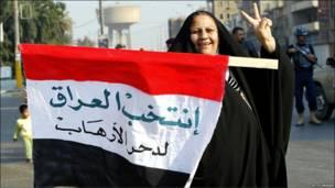 Iraquiana comemora eleições