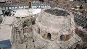 Mesquita Dourada, em Samarra, destruída após atentado a bomba