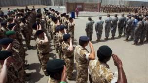القوات البريطانية تنسحب من البصرة