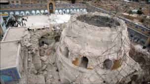 धार्मिक स्थल निशाने पर