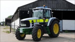 боевой трактор