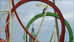 """La """"montaña rusa"""" de Munich se prepara para la celebración de la edición número 200 del Oktoberfest"""