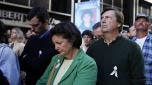 Un grupo de personas concentradas en los actos conmemorativos del noveno aniversario del 11S