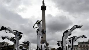 Инсталляция на Трафальгарской площади