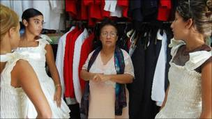 Magdalena Villa (Alquiler de trajes de bodas y cumpleaños)