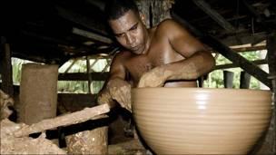 Bernardo Fuentes, ceramista.
