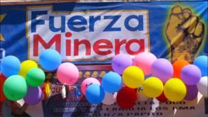 Letreros y globos. (Fotos y textos Macarena Gagliardi)