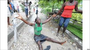 Mujer haitiana en la calle