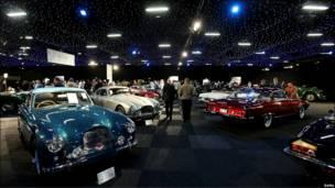 """Una panorámica de los autos ofrecidos en la subasta """"Automóviles de Londres"""""""