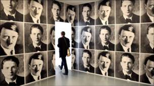 Обои с изображением Гитлера