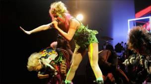 Actuación de Kesha
