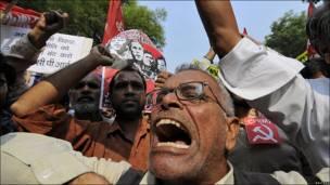 Manifestantes del Partido Comunista de India en Nueva Delhi.