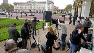 الصحافة بالانتظار