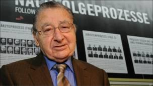 Arno Hamburger, soldado y traductor durante los juicios
