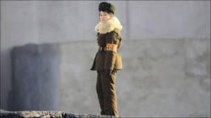 उत्तरी कोरिया की एक सैनिक