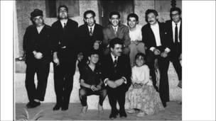 غلامحسین ساعدی و جمعی از بازیگران