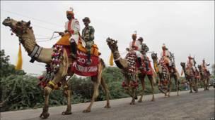 Индийские пограничники на верблюдах