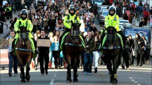 تظاهرات دانشجویان در لندن