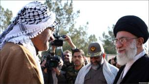 """""""تجدید بیعت"""" یک بسیجی عرب با رهبر ایران"""