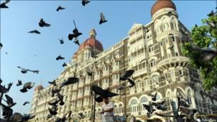 मुंबई हमलों की याद में